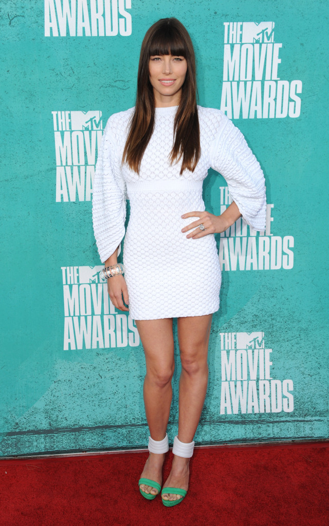 Jessica Biel shows off her tiny waist at the MTV movie awards in 2012.