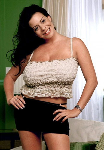 Busty brunette MILF Linsey Dawn McKenzie fantastic posing and toy porn in solo  1553989