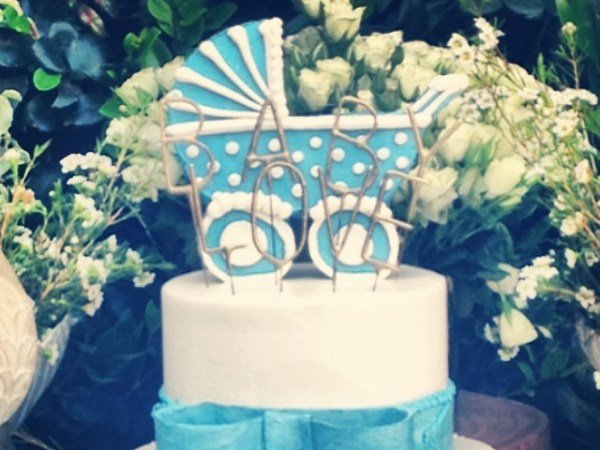 The cake from Ciara's baby shower hinting that the baby might be a boy PHOTO: Instagram