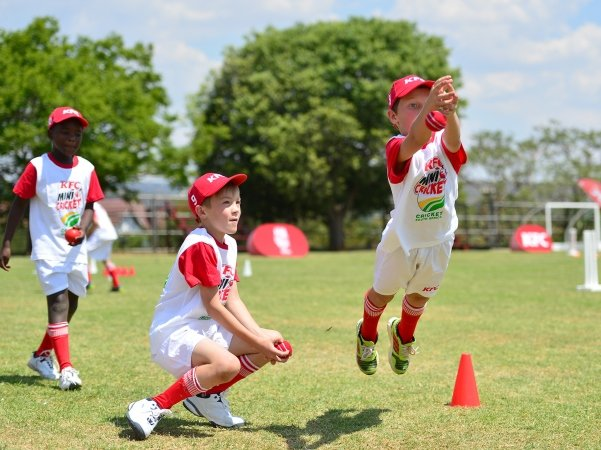 Team during a coaching session at Laerskool Louw Geldenhuys in Linden, Johannesburg.