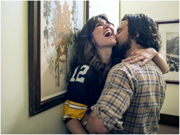 PHOTO: Mandy Moore as Rebecca, Milo Ventimiglia as Jack on set of This is us - Getty Images