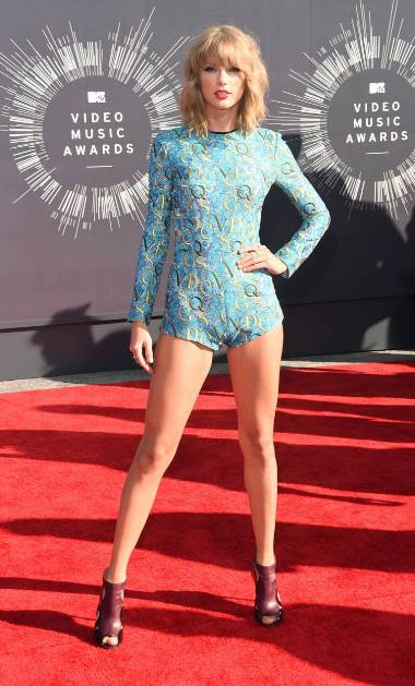 Taylor outfit_getty images