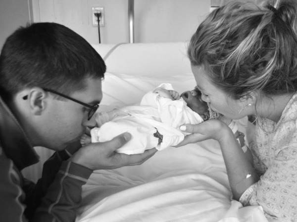 Parents, Cameron and Genavive wanted to meet their son even though they knew he wouldn't survive outside of the womb