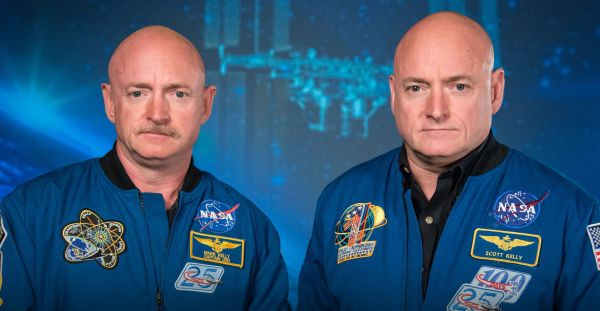 Picture of Mark and Scott kelly