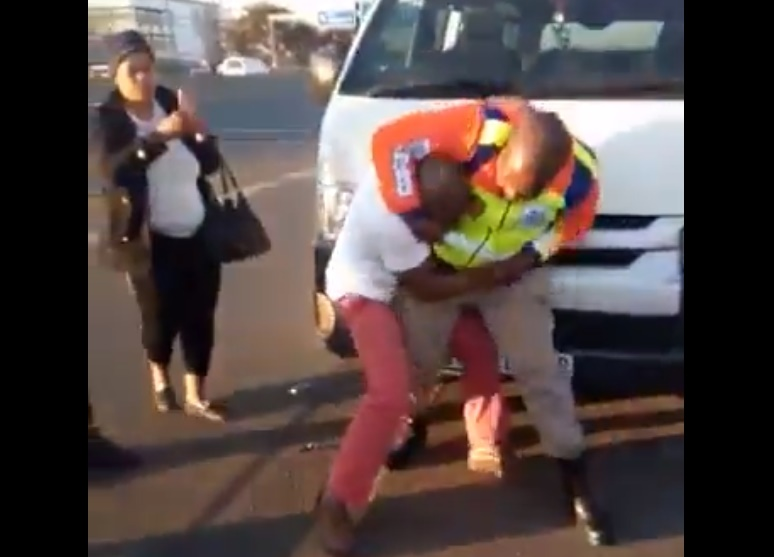 News24.com | JMPD wrestle mania: Officers to undertake combat, self-defence training
