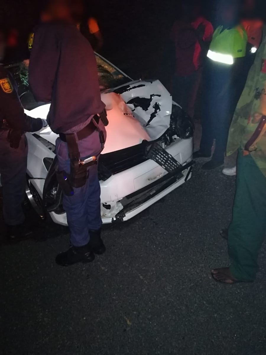News24.com | KZN woman dies after being struck by car while crossing road
