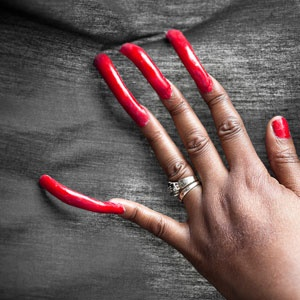 Sacrificing over 20 years to grow her nails, now lands her the 2018 Guinness record title.