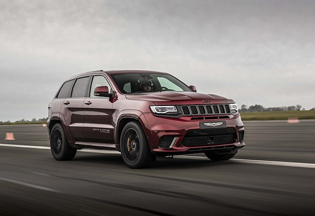 Jeep Grand Cherokee Trackhawk red