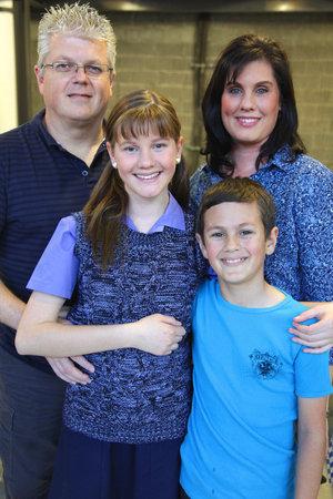 Kayla en haar gesin. Gerrit, Jolene en klein Devon