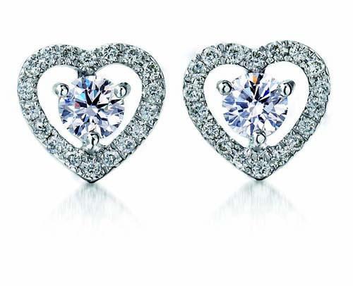 Fyn diamantoorbelle van Diamond Dreams. FOTO: Verskaf