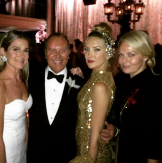 Aerin by die Glansryke Met Gala saam met ontwerper Michael Kors, aktrise Kate Hudson en Lauren duPont wat saam met haar werkFOTO: Instagram @aerin