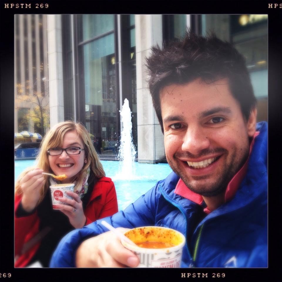 """Dit was baie koud in NY (nog nie so koud soos dit nou daar is nie), en niks help beter vir die koue as 'n lekker koppie sop van """"Hale and Hearty"""" nie."""