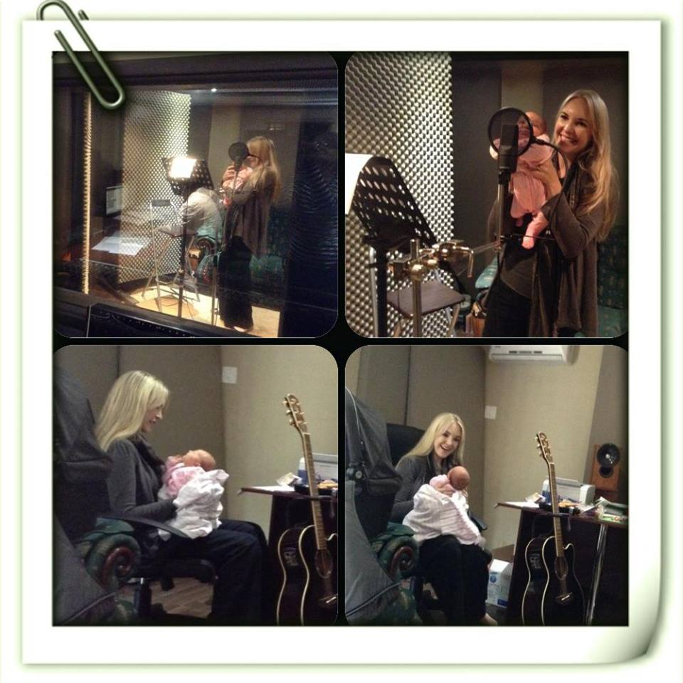 Eli-zé kuier op 3 weke vir die eerste keer in die studio. FOTO:   Facebook