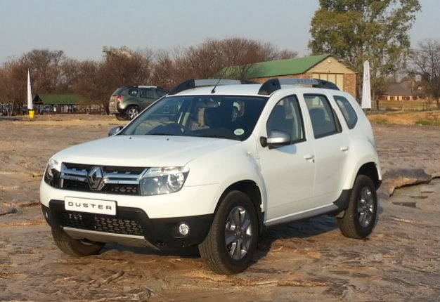 new renault duster in sa revamped revitalised wheels24. Black Bedroom Furniture Sets. Home Design Ideas