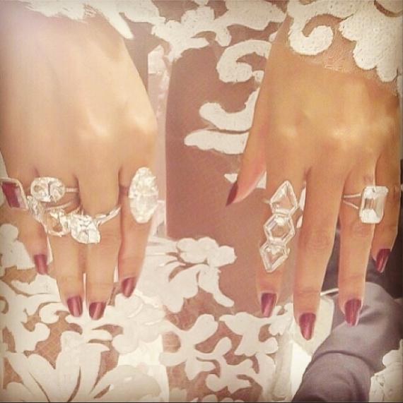 """Beyoncé se verloofring is die langwepigge diamant aan haar linkerhand FOTO: Instagram """"http://instagram.com/beyonce"""" target=""""_blank""""> @beyonce"""