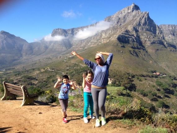 Elana met Ian se  kinders FOTO: Wordpress  elanaafrika