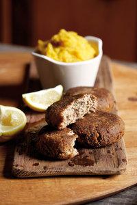 Pilchard-koekies en soetpatat-mash