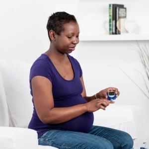 Woman takes diabetes test while pregnant