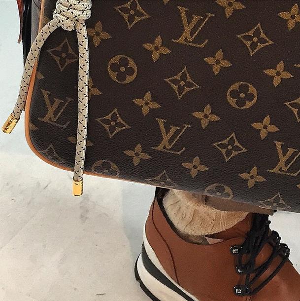 """Louis Vuitton het die foto gedeel op Instagram tydens die """"fittings"""" in Parys Foto: @louisvuitton_instagram"""