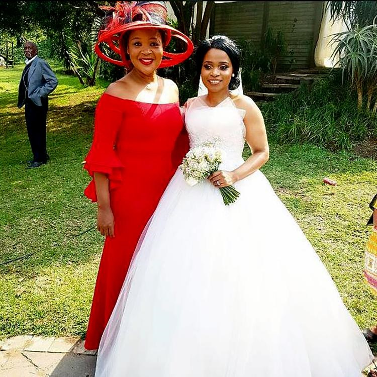 Pics Sthandwa S Fairytale Wedding Daily Sun