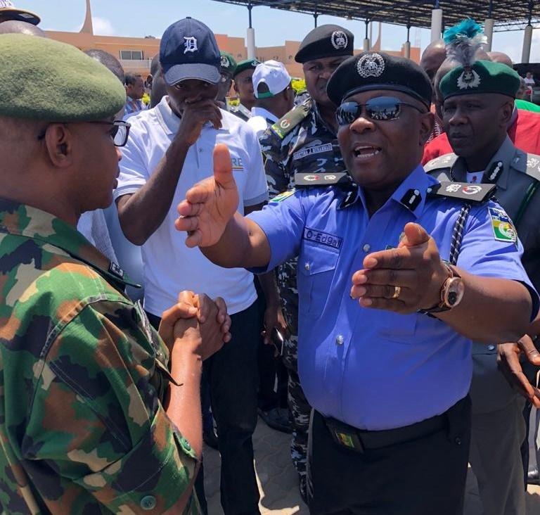 Lagos police, seme border