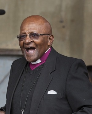 Anglican Archbishop Emeritus Desmond Tutu at the art museum in Cape Town. (Roger Bosch, AFP)