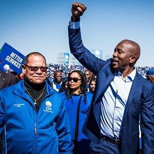 Gauteng DA leader John Moodey with Mmusi Maimane. (DA via Twitter)