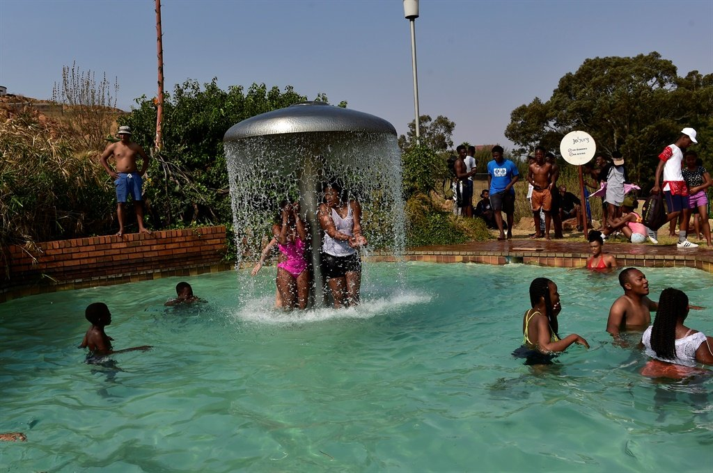 Pics swimming for fun daily sun for Southern suburbs swimming pool
