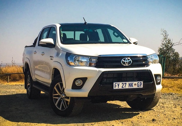toyota hilux black edition here 39 s why this bakkie does goth very well wheels24. Black Bedroom Furniture Sets. Home Design Ideas