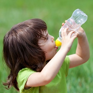 child avoids dehydration