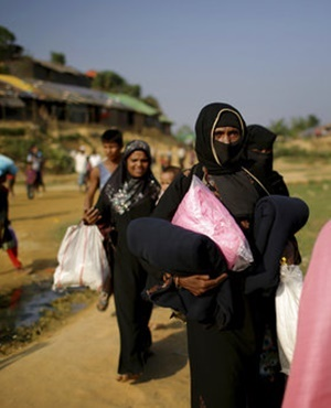 "The United States declared the ongoing violence against Rohingya Muslims in Myanmar to be ""ethnic cleansing"", putting more pressure on the country's military to halt a brutal crackdown that has sent more than 600 000 refugees flooding over the border to Bangladesh. (Wong Maye-E, AP file)"