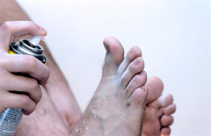 Man treating athlete's foot