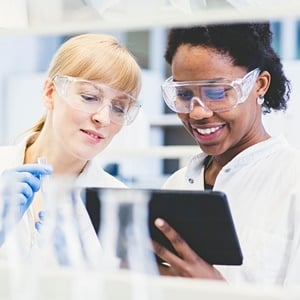 two female scientists in lab