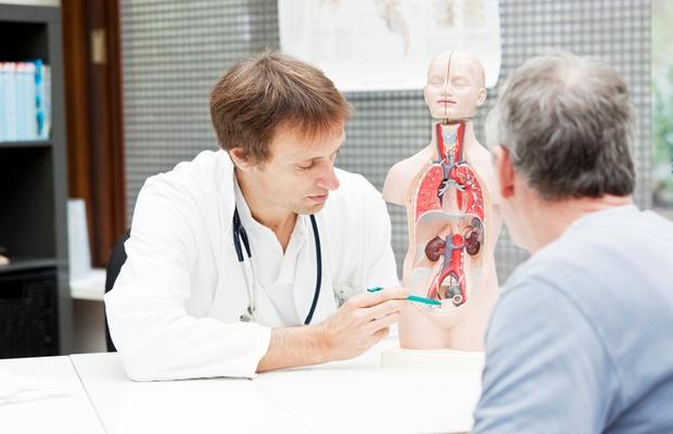 doctor explaining bladder anatomy