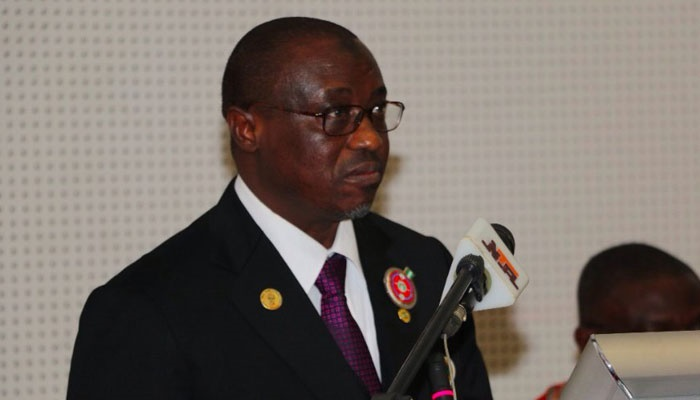 NNPC GMD, Maikanti Baru, briefs Senate on Fuel Sca
