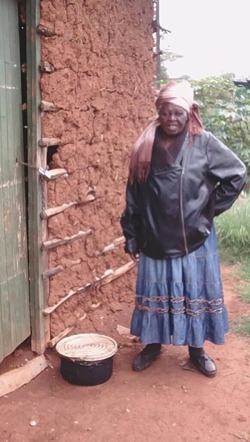 Gogo Regina Hadebe who was in line to get a new house has been left heartbroken after she discovered that her name has been removed from the list without a proper explanation.