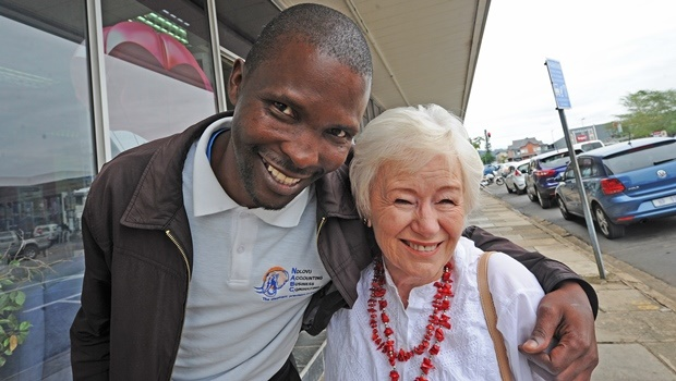 Old friends, former newspaper seller and now accountant Jabulani Gcwabe and Witness reader Marline Turner, were excited about running into each other after almost 20 years.