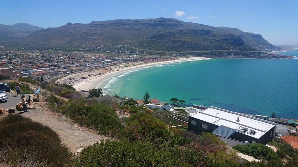 4458fa1f367b Shark Spotters lookout point above Fish Hoek. Copyright Shark Spotters and  PatternLab.