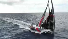 Team Scallywag lead sprint for Hong Kong in Volvo Ocean Race