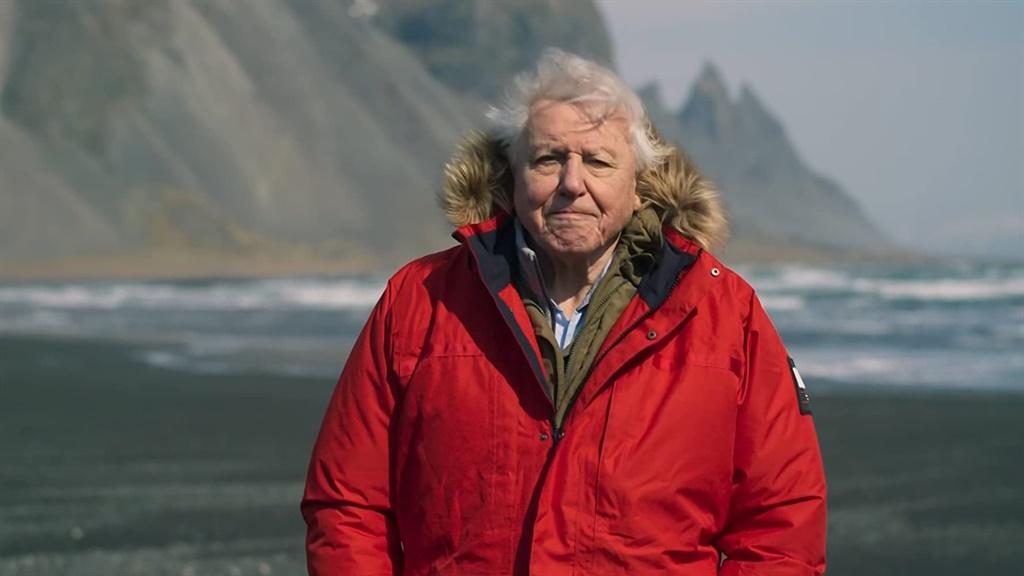 David Attenborough bied  al meer as ses dekades l