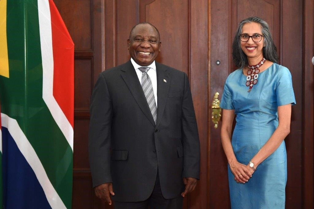 Australian High Commissioner to South Africa Gita Kamath with President Cyril Ramaphosa after presenting her credentials on 15 October 2019. (DIRCO)