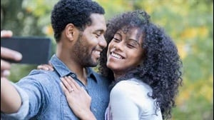 4 things you should never say to a newly engaged couple
