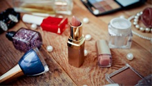 Does your insurance policy cover the expensive makeup in your handbag? It should, says this insurance expert...