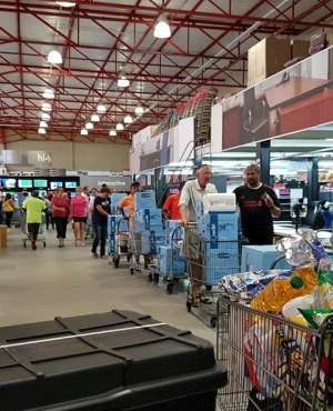 c906e0dc247 PICS: Cape Town residents scramble to buy bottled water at shops   News24