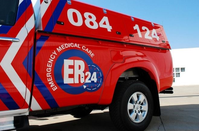 News24.com | Bystanders scramble to rescue couple from wreckage after Westonaria crash