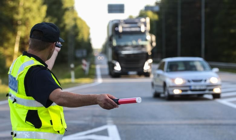 I want to learn about careers as a Traffic Officer | Careers24