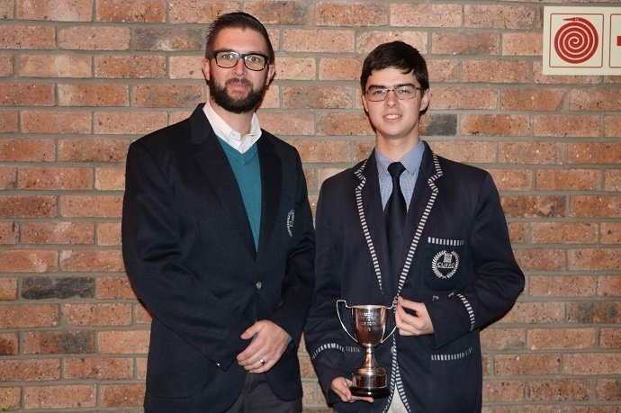 Adri Wessels won joint first place at the 2019 UCT Mathematics Competition, earlier this year. Wessels (right) stands proudly alongside Mr Etienne Pienaar (left), maths teacher at Curro Durbanville.