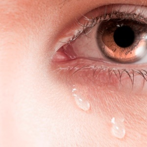 Analysing tears could be a new way of diagnosing Alzheimer's disease.