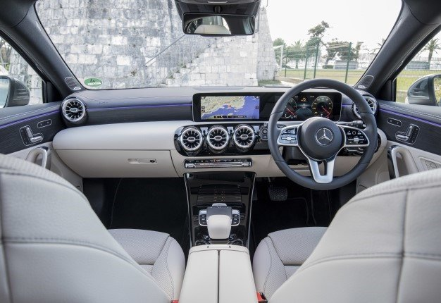 Mercedes Benz Interior >> Watch The Mercedes Benz A Class Interior Tech Sets A New