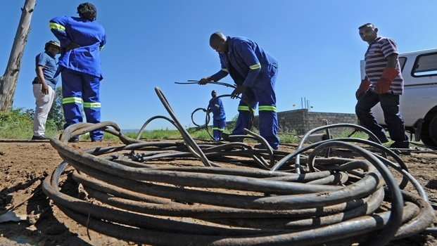 Msunduzi cracks down on electricity theft  The Msunduzi electricity department removed a mass of illegal electrical connections in Mkondeni on Tuesday. The illegal connections are thought to have been done by a well organised syndicate. Now Msunduzi say they are cracking down on the problem.